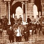 Члени Губернської Ради фізкультури на руїнах виставки. 1923 р.