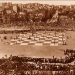 """""""Живі шахмати"""" на Червоному стадіоні. 1925 р. (попереду вул.Шота Руставелі)"""